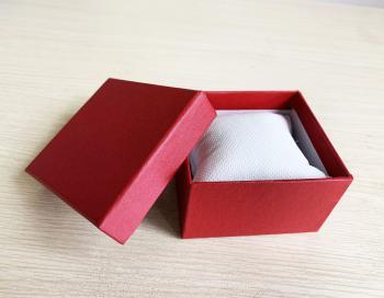 Hộp giấy đựng đồng hồ 03